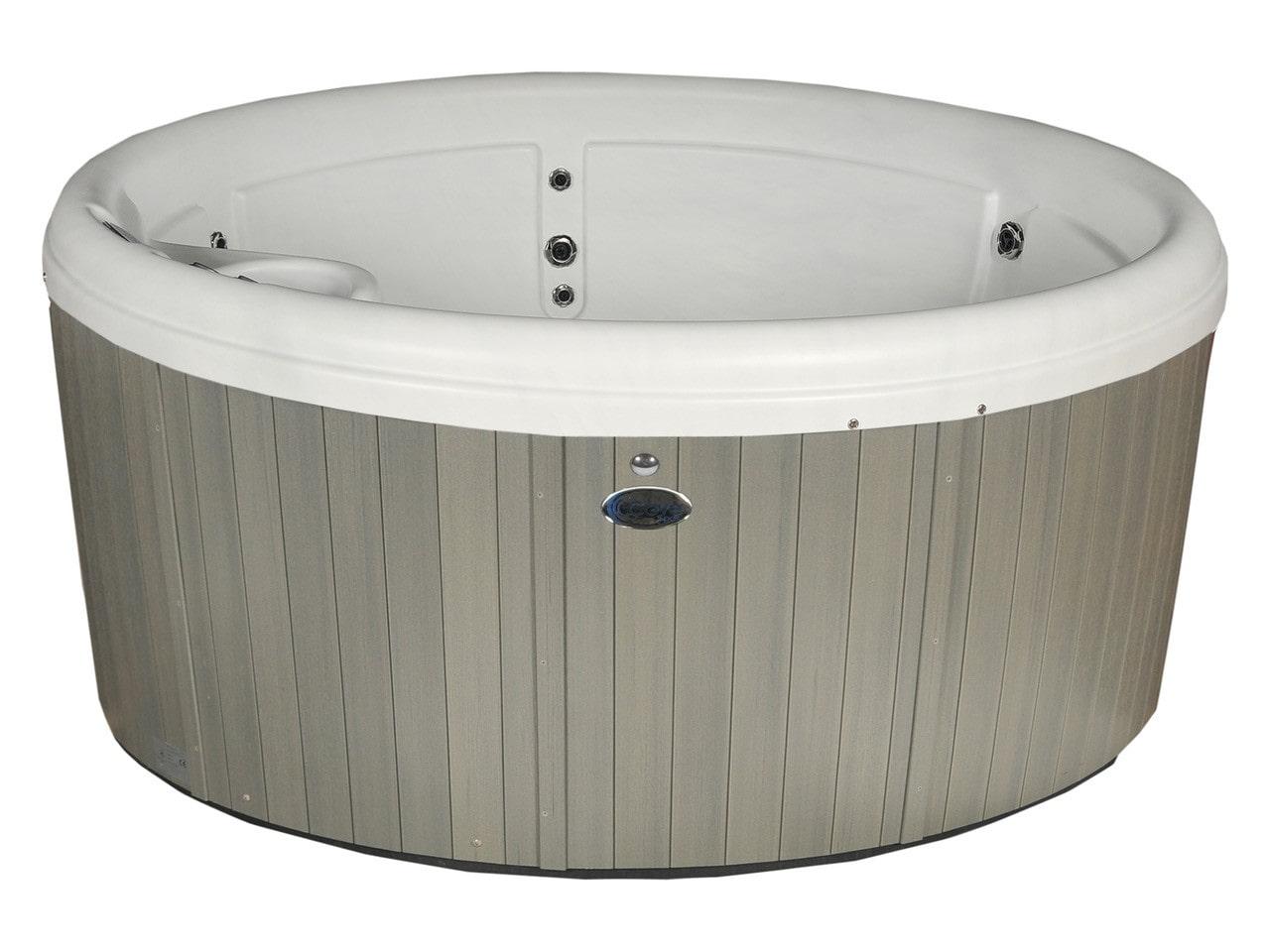 Compact holiday home hot tub