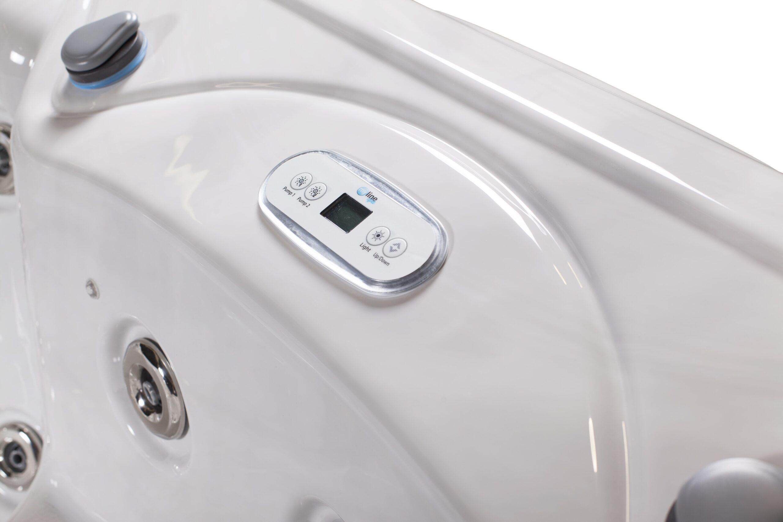 Myline Saturn hot tub