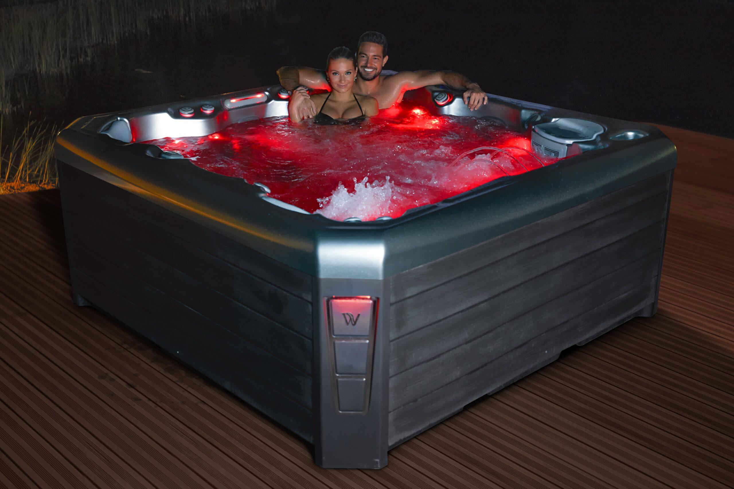 Luxury hot tub with LED Lighting